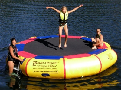 ISLAND HOPPER 13 Foot BOUNCE and SPLASH TRAMPOLINE - RECREATIONAL